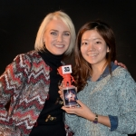 "Sabina Schladitz, Brand Ambassador of The SHOPPING NIGHT BARCELONA presents  Best 3D Entertainment Show Award to ""NANTA 3D"". Yoonsun Choi, accepts the Award on behalf of Sang Il Kim from South Korea."